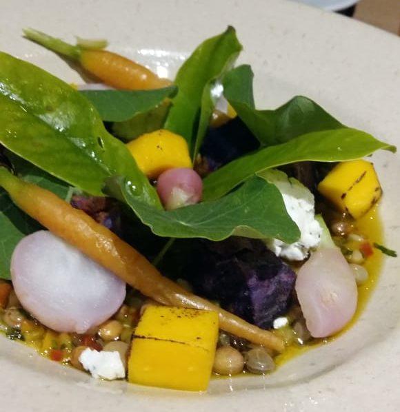 Salada feita por Manu Ferraz